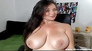 Big titted white girl has multiple big O on cam