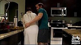 Melanie hicks in mommas guy (dvd)