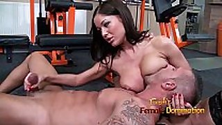 Angelica heart smothers her slave with her billibongs