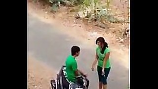 Indian lover hawt kiss in road