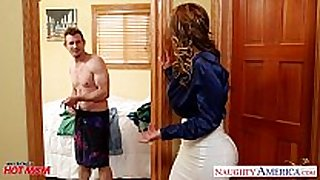 Nasty mom eva notty fucking strapon with her love muffins