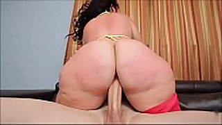 Phat butt bbw plumper knows how to ride