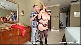 Sexy breasty bbw milf kimmie kaboom catches panty...