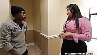 Kim cruz thick lalin girl gives bbc oral in her ...
