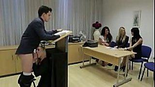Mamada en reunión empresarial