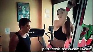 Sexy slut copulates trainer after sexy workout