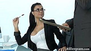 Sexy milf jasmine jae plays the office slut add...