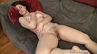 Tempting redhead vera masturbating