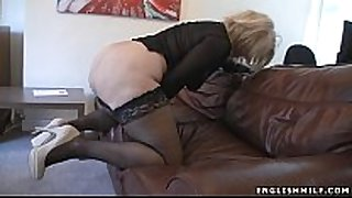 Big arse british milf in nylons with sex toy