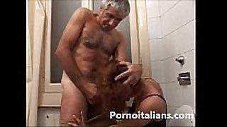 Incesto italiano - padre scopa la figlia nel ce...