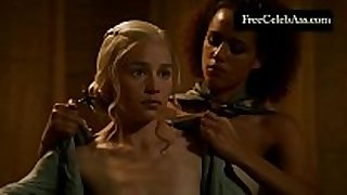 Emilia clarke exposed in the washroom game of thrones ...