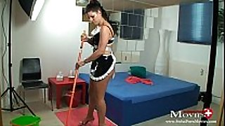 Maid amanda jane bonks hotel guest with cock juice r...