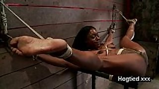 Ebony body builder fastened up and vibed