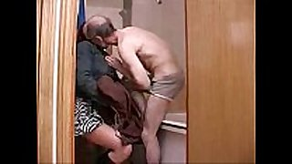 Old older man family sex with youthful daughter in b...