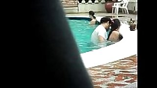 Gordinho metendo na piscina - colombian pair ...