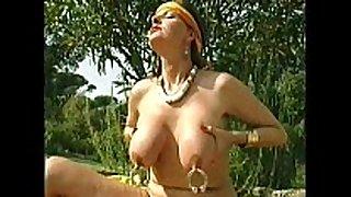 Xshake.net pierced nipples and vagina