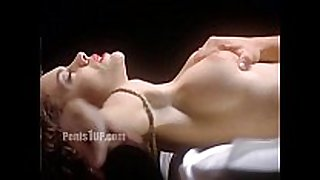 Alyssa milano - embrace of the vampire (nude on...