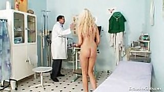 Gorgeous golden-haired sweetheart twat gyno exam
