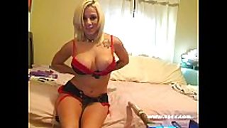Busty live sex machine livecam with lylith lavey
