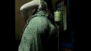 Arab BBC slut hawt dance
