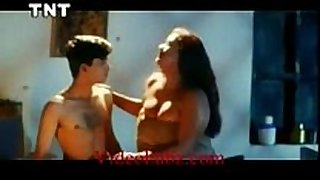 Shakeela mallu seducing juvenile chap