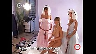 Aktmodell video 6 - undressed hungarian beauties pho...