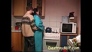 Boy bonks excited housewife's in the kitchen