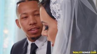 Shameless bride rubs her clit during interracial anal