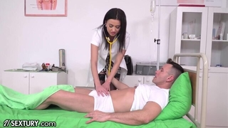 Slutty XXX nurse in black stockings gets double penettated