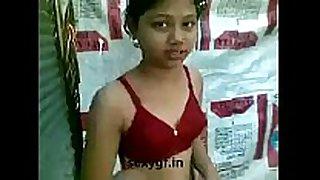 Bhathroom me nangi white sweethearts